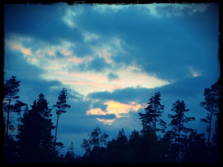 Så här såg himlen ut på Midsommaraftons kväll.