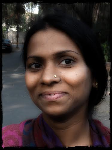Kvinna med sjal, 2