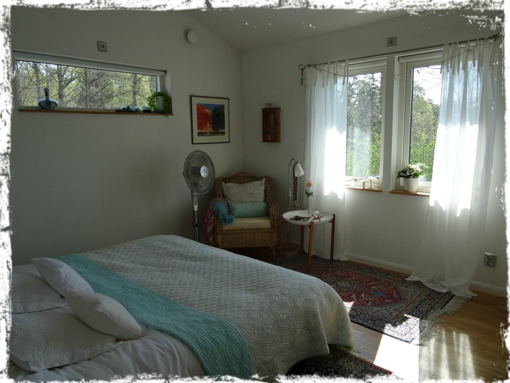 Vårljust sovrum, 140426