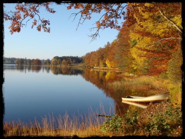 Hannabadssjön i höstskrud