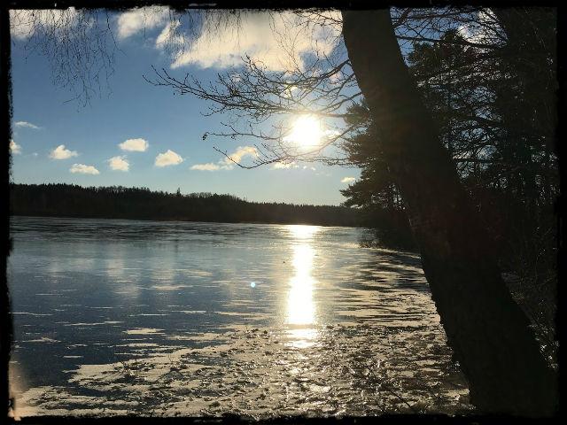 Hannabadssjön i vintersol 1 L