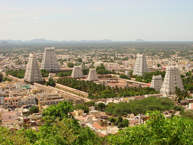 800px-View_over_Arunchaleshvara_Temple_from_the_Red_Mountain_-_Tiruvannamalai_-_India_01