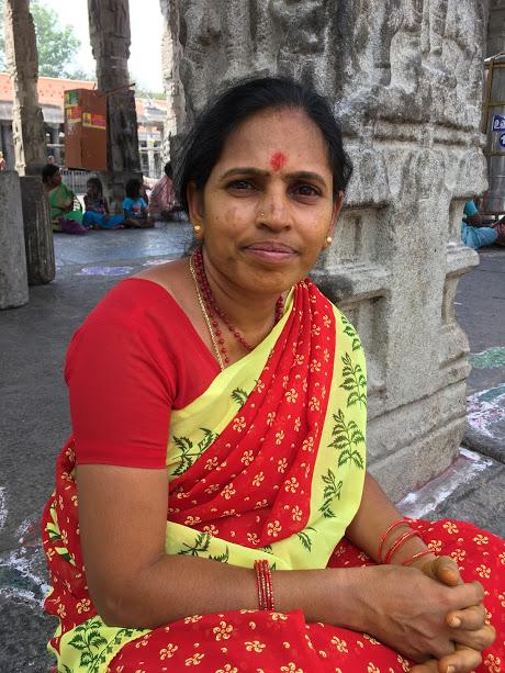 Kvinna i templet